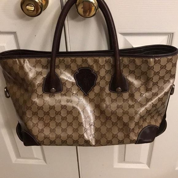 Gucci Handbags - Authentic Gucci Crest bag